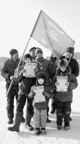 Соревнования по зимнему картингу.