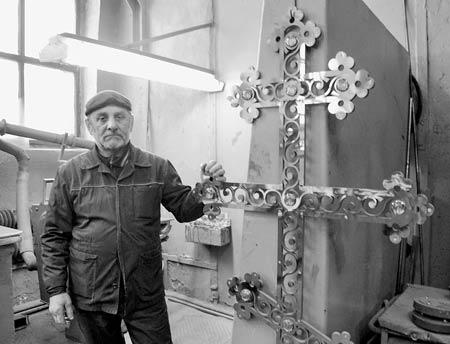 Крест на Святые врата